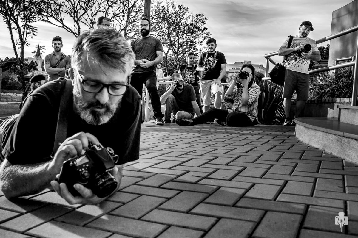 workshop a fotografia fora da zona de conforto atrai pessoas de todo o brasil para aprender com nei bernardes na cidade de rolante, rs