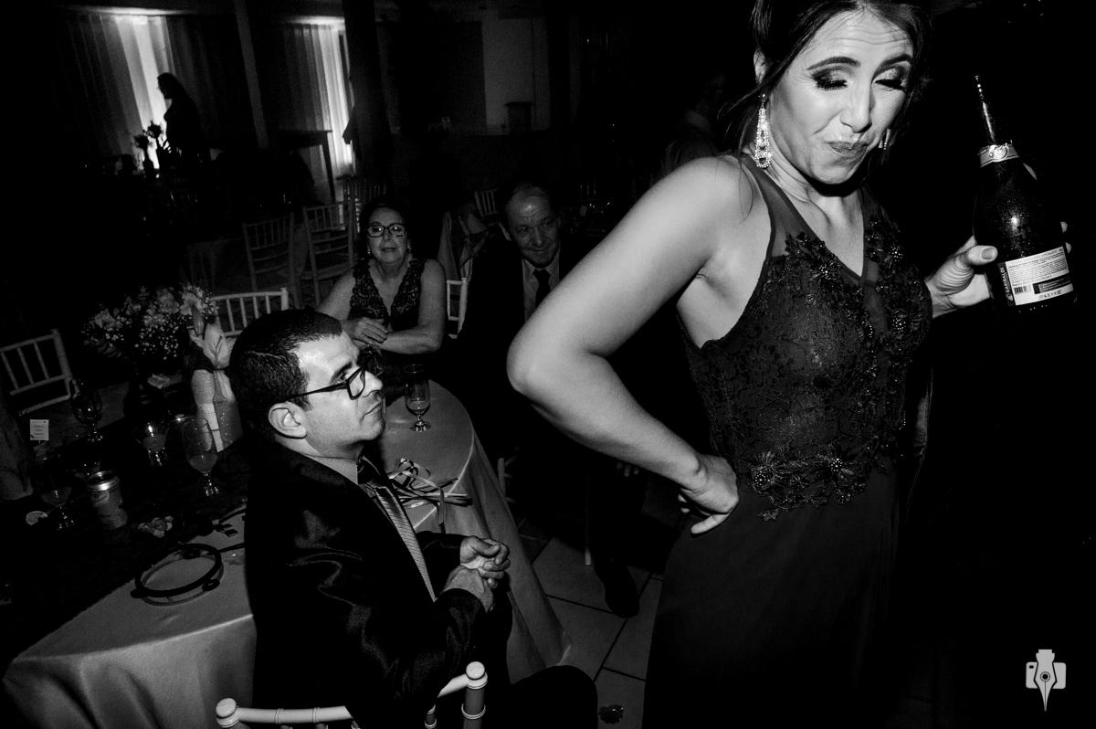casamento da mari e do rodrigo e muita dança