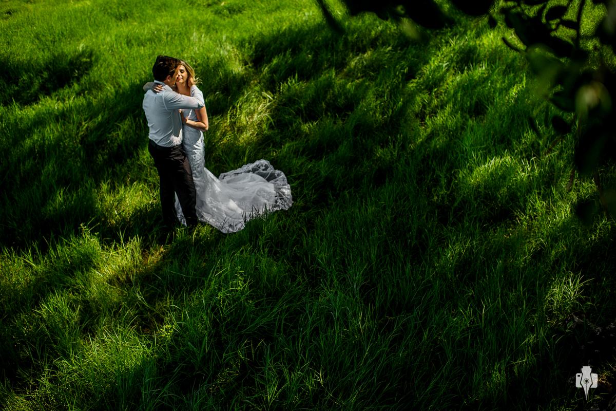 trash the dress e ensaio vestido de noivos de diana e gustavo em riozinho rs