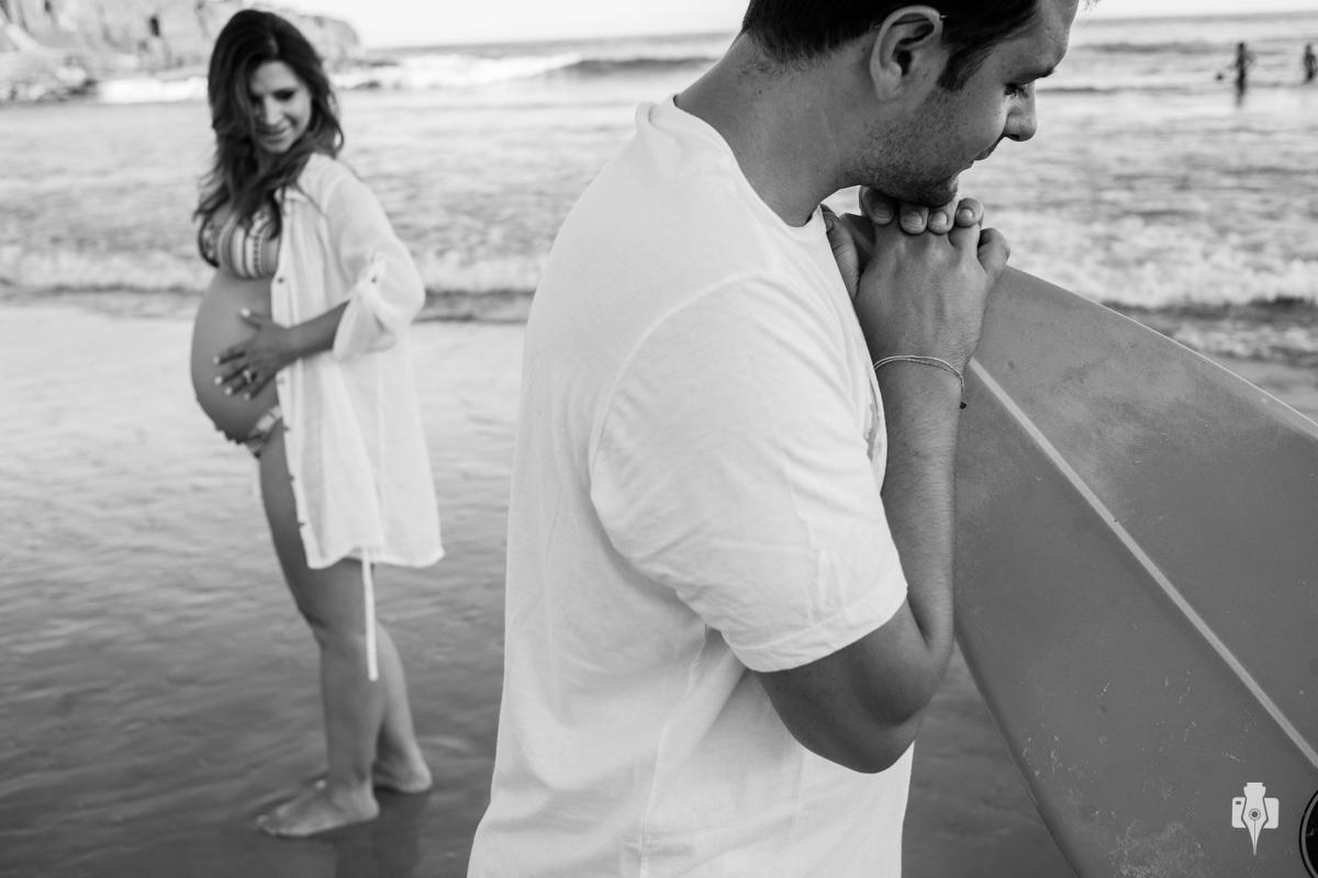 ensaio de gestante de ana paula e murilo a espera de kaua na praia em torres rs