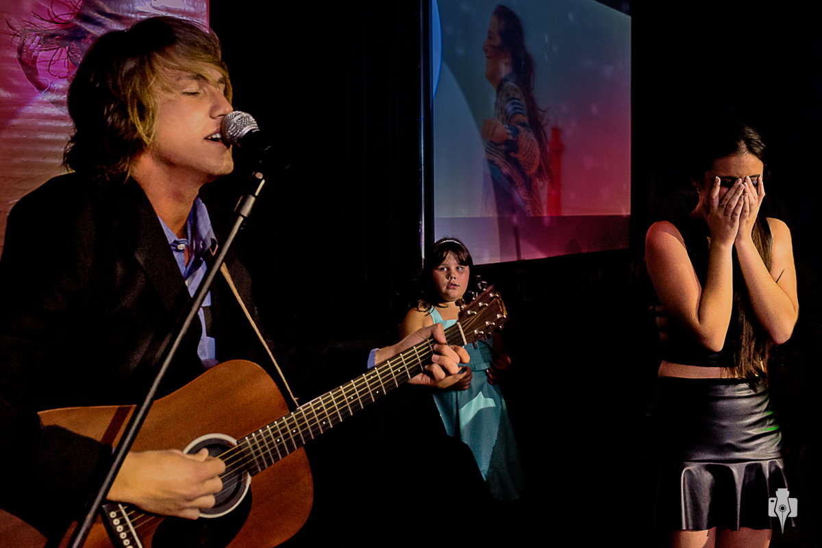 festa de 15 anos de mayara com o cantor vitor kley em santo antonio da patrulha rs