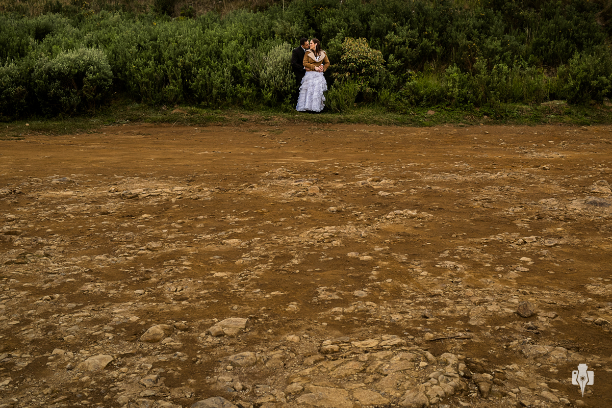 trash the dress de vestido de noiva de priscila e lucas no canion fortaleza em cambara rs