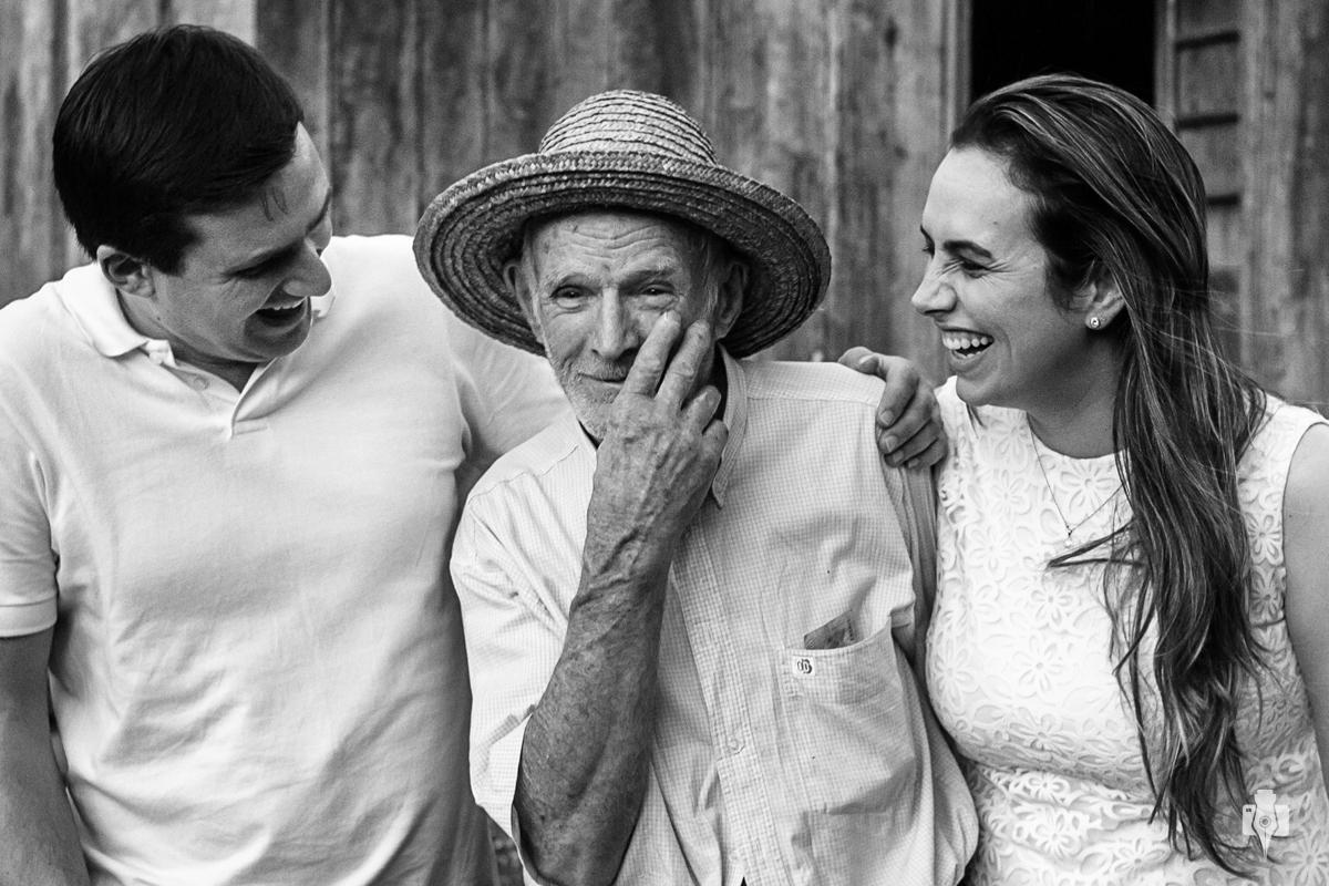 ensaio de casal pre casamento de naiani e ismael em mara rs