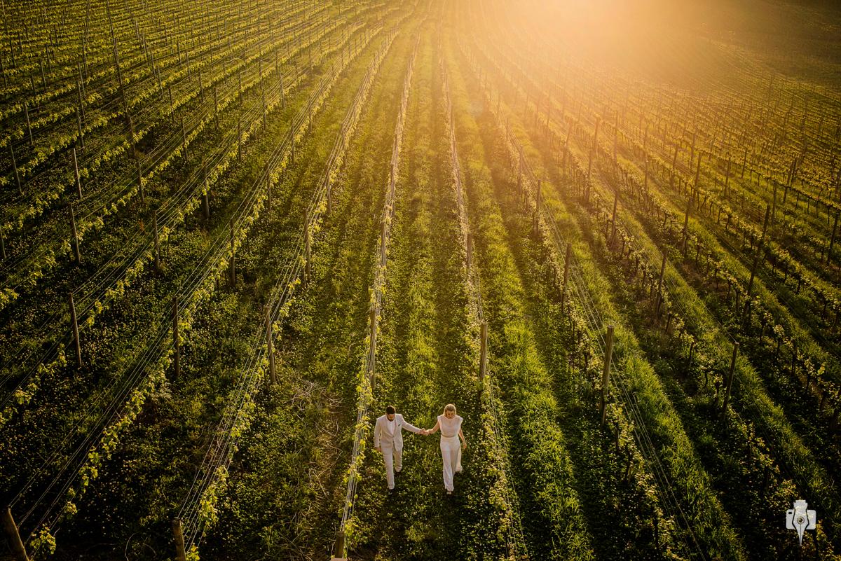 ensaio de casal pre casamento de andy carroro e whill em vinicula spa do vinho em bento goncalves rs