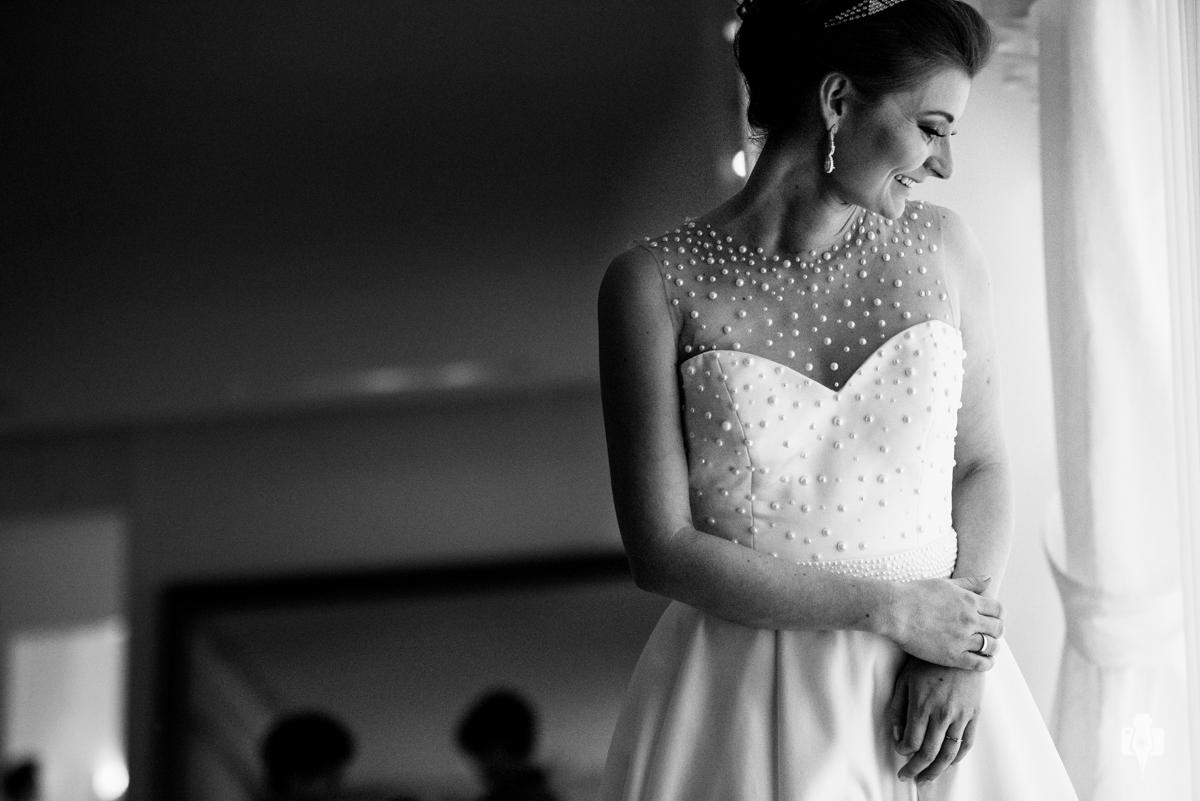 prova de vestido de noiva de yole na rosa maria em novo hamburgo rs