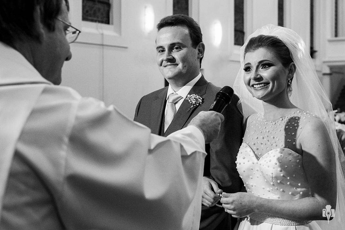 casamento catolico em rolante rs com noiva com vestido da rosa maria