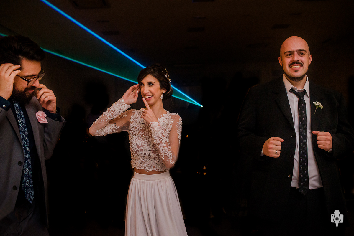 casamento ao ar livre no espaço tao em novo hamburgo rs noiva com vestido cropped