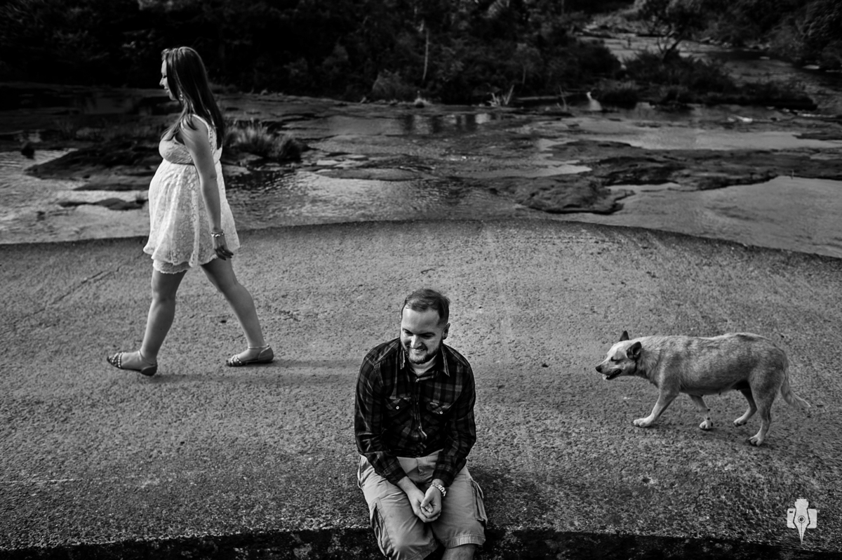 ensaio de gestante com cachorro em barragem em sao francisco de paula rs