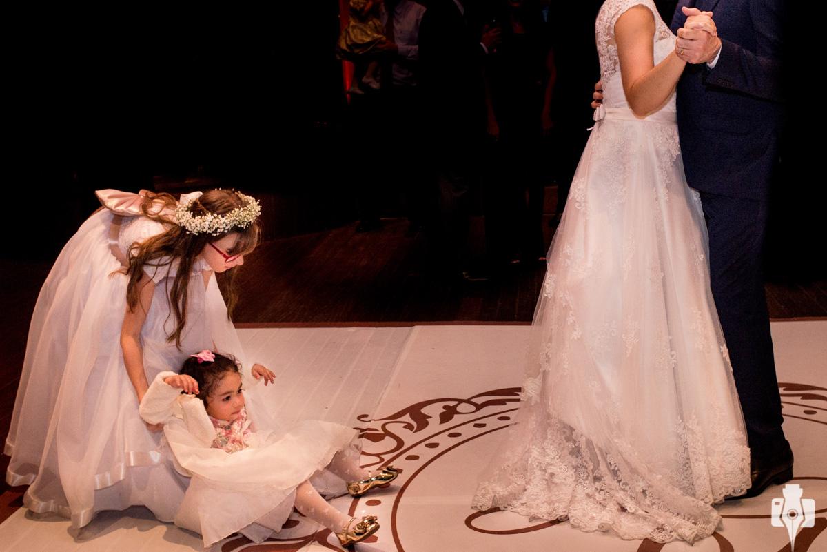 dança dos noivos muito romântica
