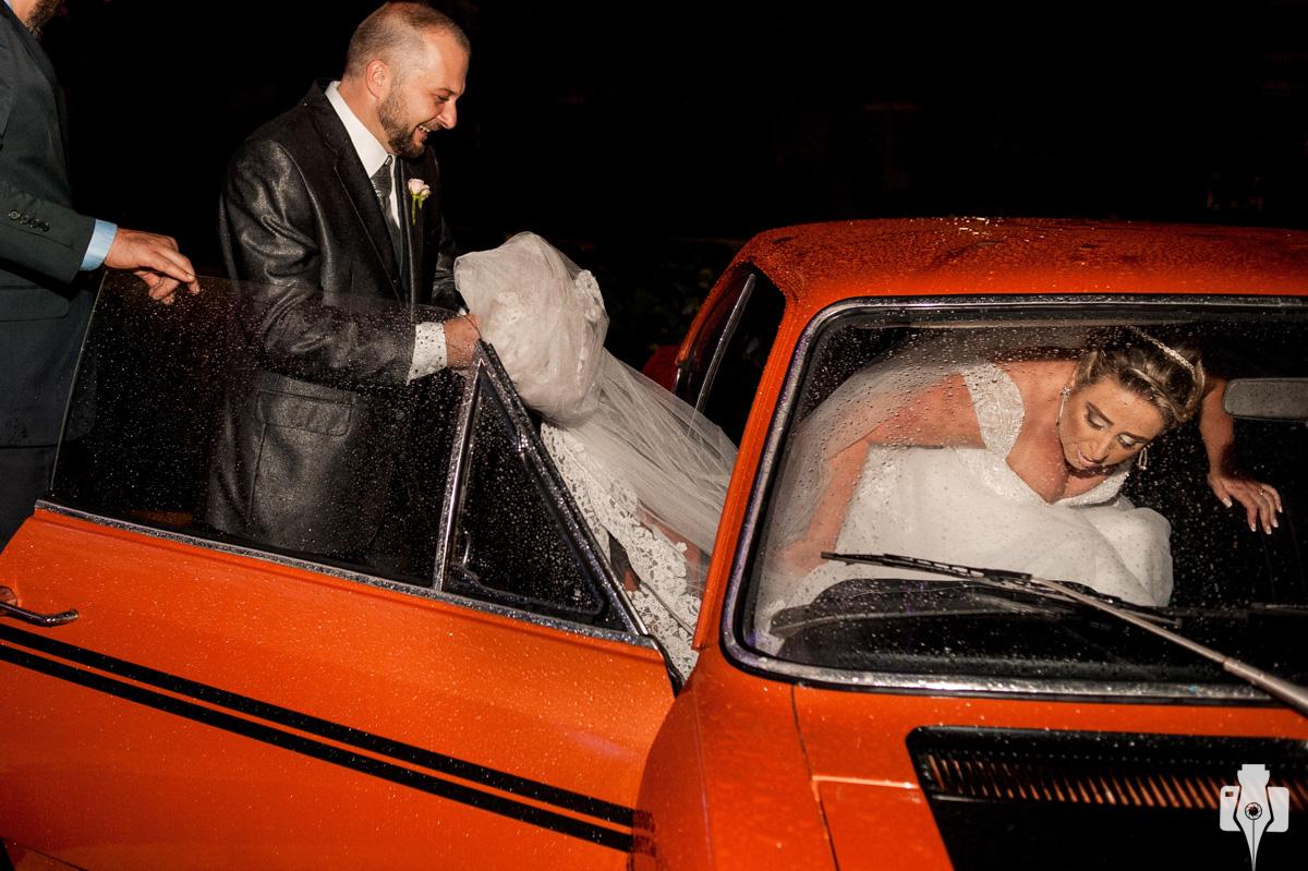 fotos de casamento com carro antigo