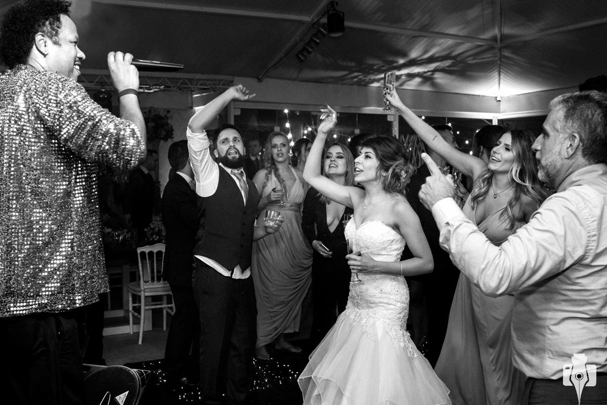 festa de casamento com cover do tim maia