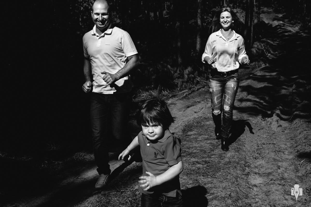 fotografias de ensaio de família fotos de criança no sitio fotos de criança na natureza