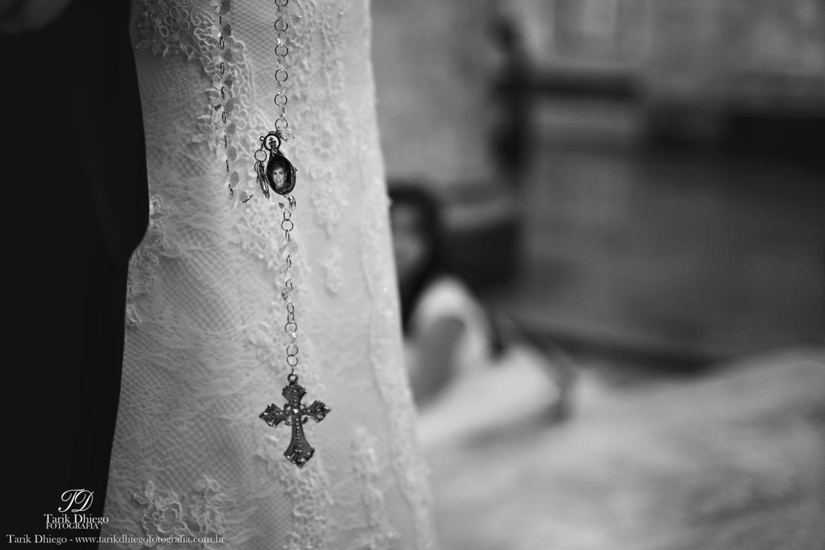 Imagem capa - 4 Objetos que as noivas podem levar nas mãos até o altar por Tarik Dhiego Pereira