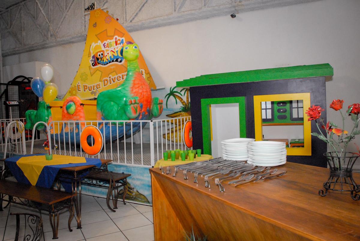 brinquedos do Buffet Fábrica da Alegria, Osasco, Sao Paulo, tema da festa esportes americanos, aniversariante Matheus 8 anos