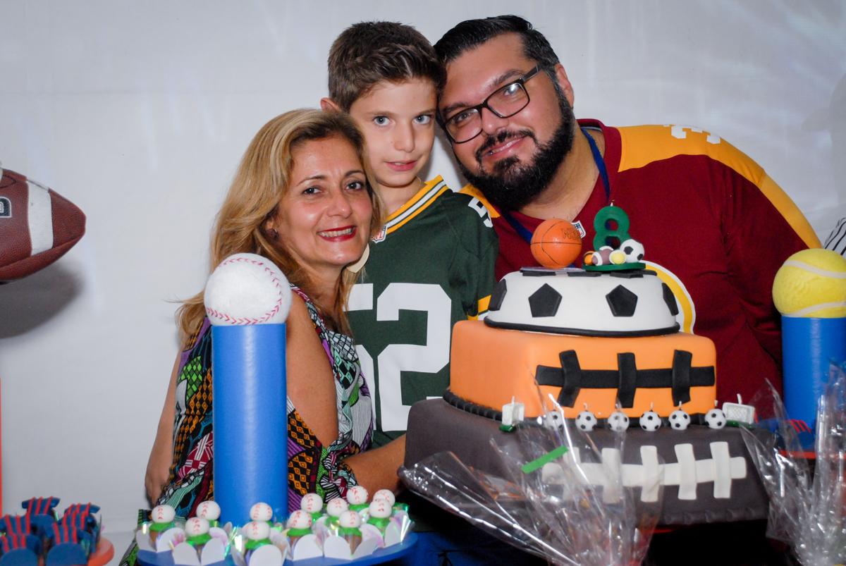 foto da família na hora do parabéns