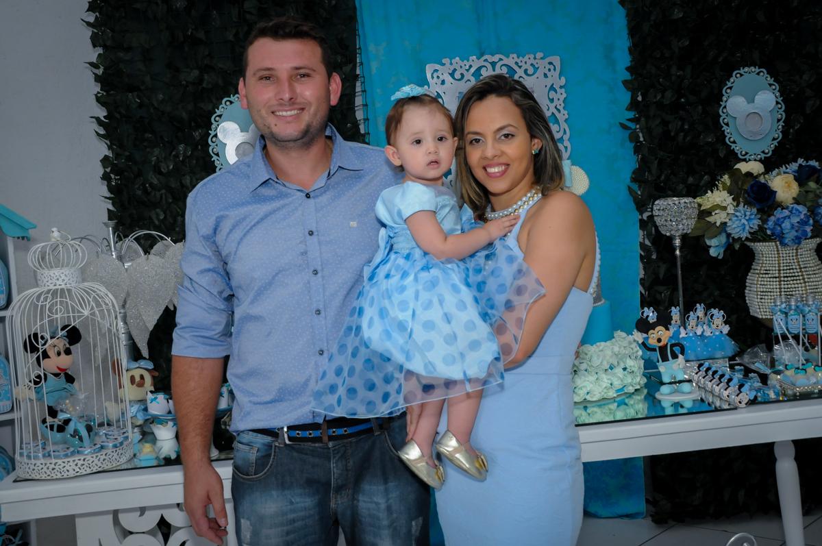 entrada da família no Buffet Fábrica da Alegria, Morumbi, SP, festa intantil, tema da mesa minie azul, Valentina 1 aninho