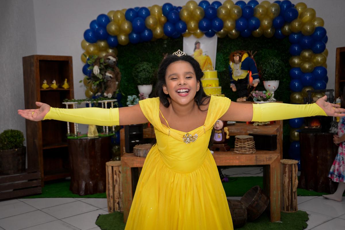 Final da festa da princesa bela no Buffet Fábrica da Alegria, Morumbi,SP, festa infantil aniversário de Beatriz 9 anos, tema da festa A Bela e a Fera