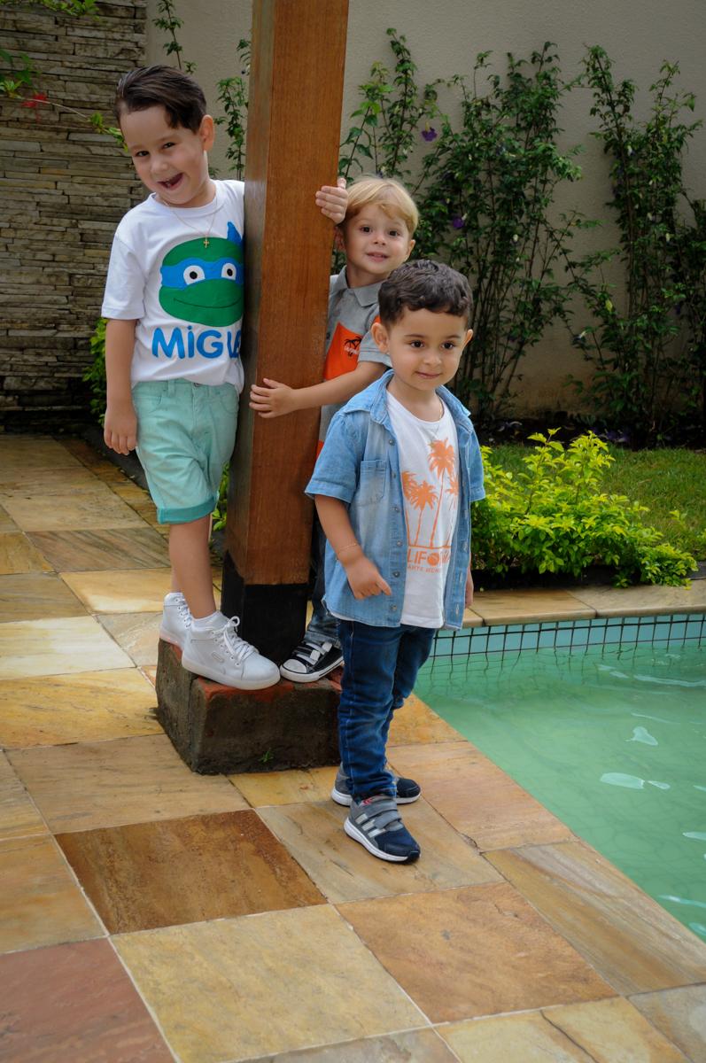 muita bagunça com os amiguinhos no Condomínio Vila Leopoldina, festa infantil, tema Tartaruga Ninja, Miguel 5 anos