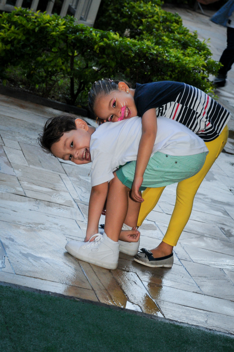 muito bom brincar no play ground no Condomínio Vila Leopoldina, festa infantil, tema Tartaruga Ninja, Miguel 5 anos