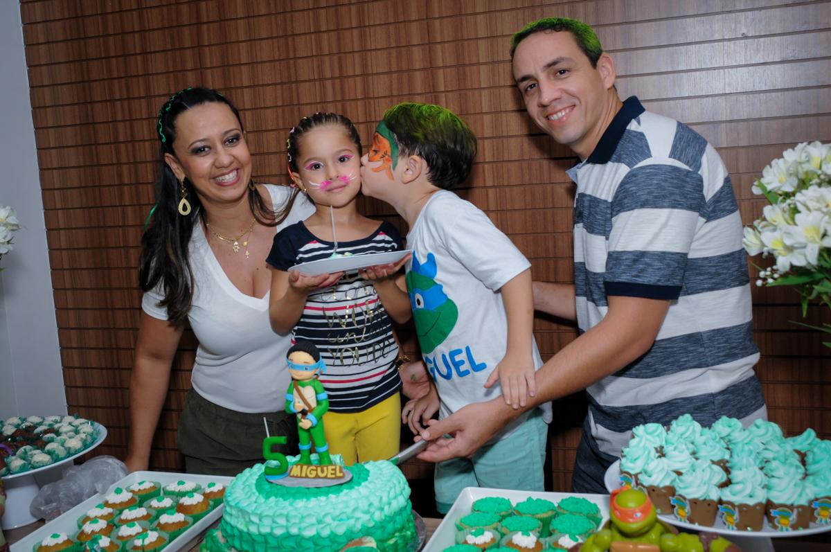 final de festa no Condomínio Vila Leopoldina, festa infantil, tema Tartaruga Ninja, Miguel 5 anos