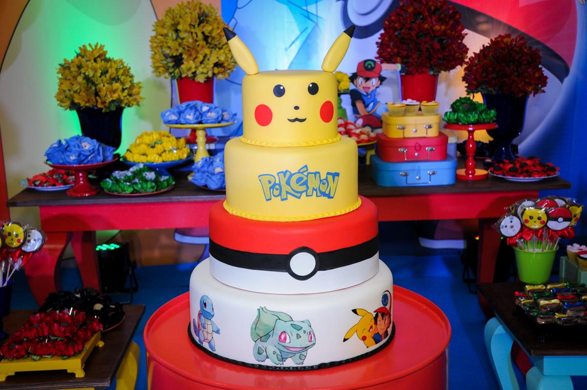 bolo decorado pokemon no Buffet Fantastic World, Morumbi São Paulo, Festa Infantil, aniversário de Jean Gabriel 8 anos, tema da festa Poke Mon