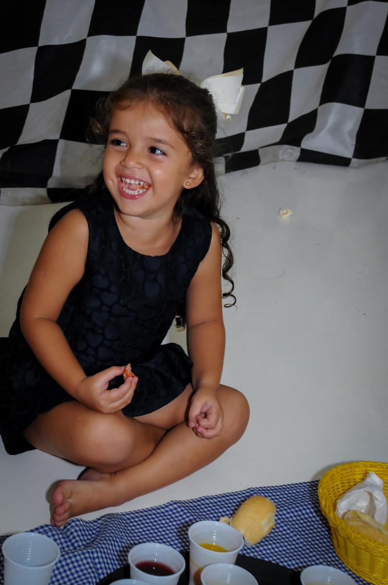 hora do lanchinho no Buffet Fantastic World, Morumbi São Paulo, Festa Infantil, aniversário de Jean Gabriel 8 anos, tema da festa Poke Mon
