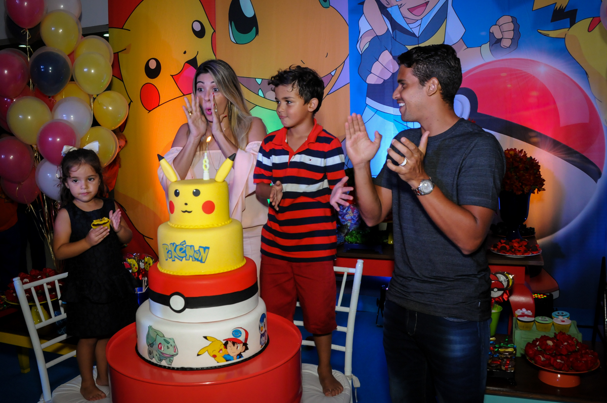 hora do parabéns no Buffet Fantastic World, Morumbi São Paulo, Festa Infantil, aniversário de Jean Gabriel 8 anos, tema da festa Poke Mon