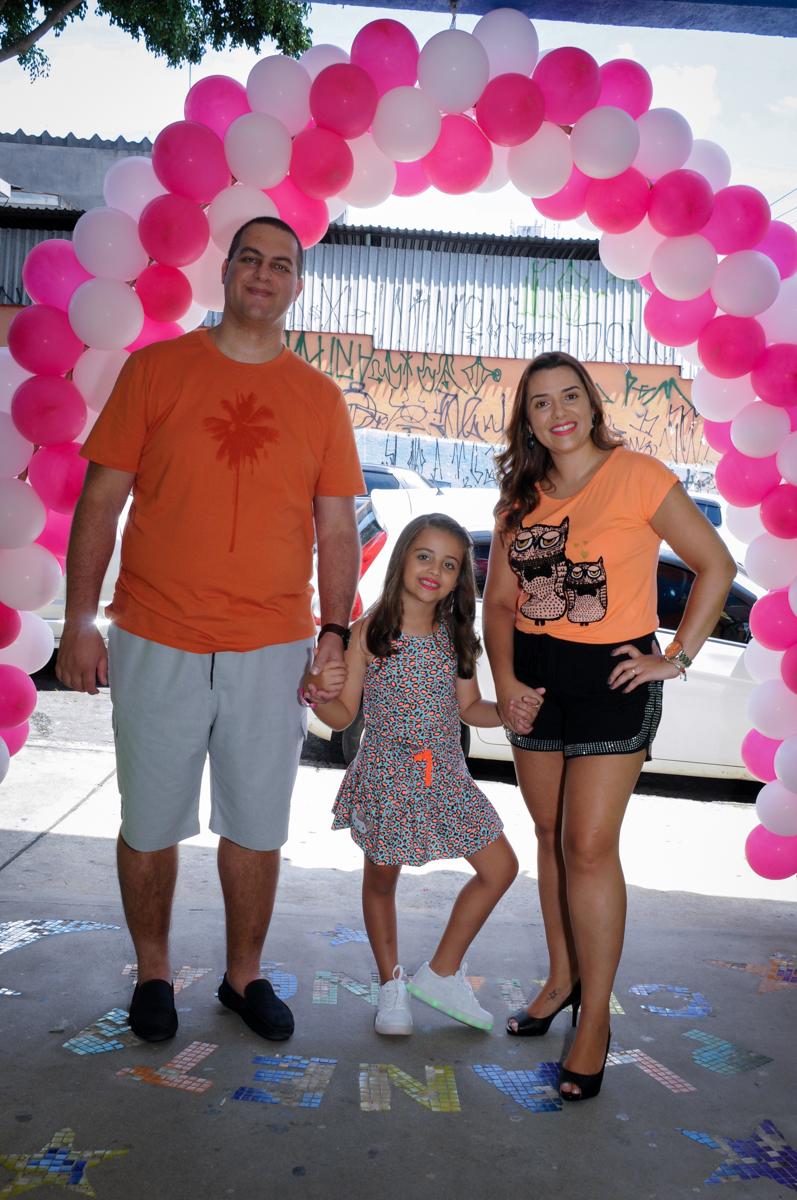 entrada da família no Buffet Infantil Planeta 2, Butantã, SP, festa infantil, tema Hello Kitty, Maria Eduarda 6 anos