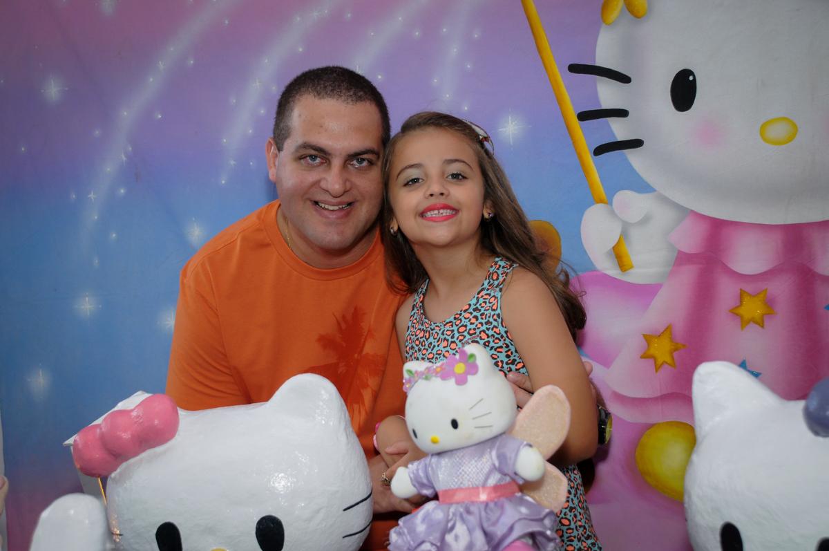 fotografia pai e filha no Buffet Infantil Planeta 2, Butantã, SP, festa infantil, tema Hello Kitty, Maria Eduarda 6 anos