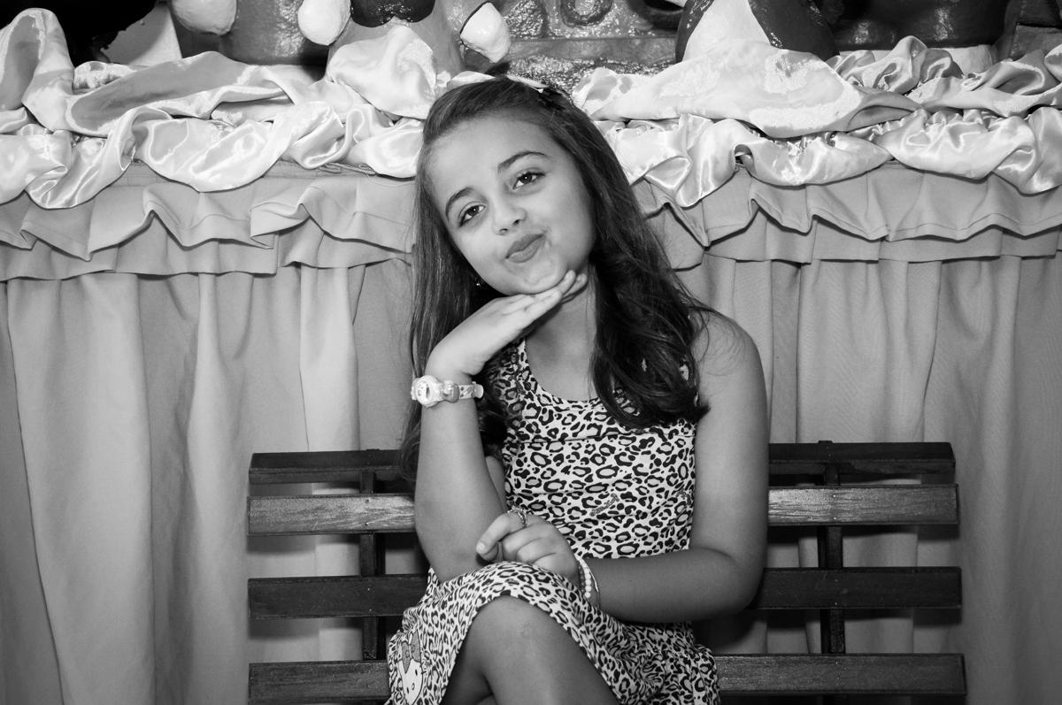 posando para a foto no Buffet Infantil Planeta 2, Butantã, SP, festa infantil, tema Hello Kitty, Maria Eduarda 6 anos