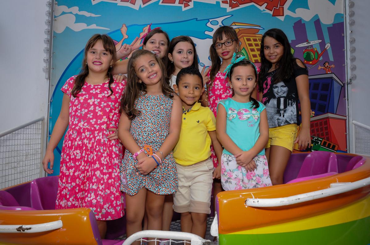 O Labamba foi escolhido para fazer a fotografia de todos os amigos no Buffet Infantil Planeta 2, Butantã, SP, festa infantil, tema Hello Kitty, Maria Eduarda 6 anos