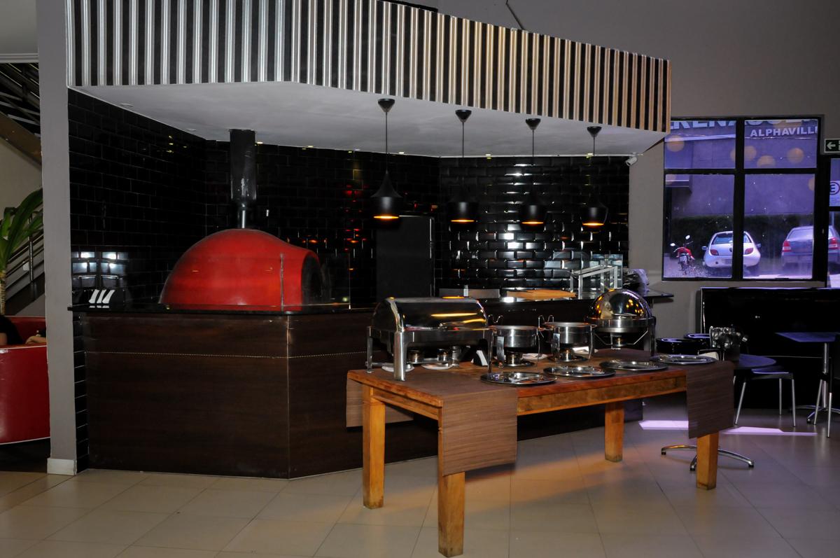 Forno de pizza no Buffet Planeta Prime, Alphaville, SP, festa intantil, tema frozen, Gabriela 3 aninhos