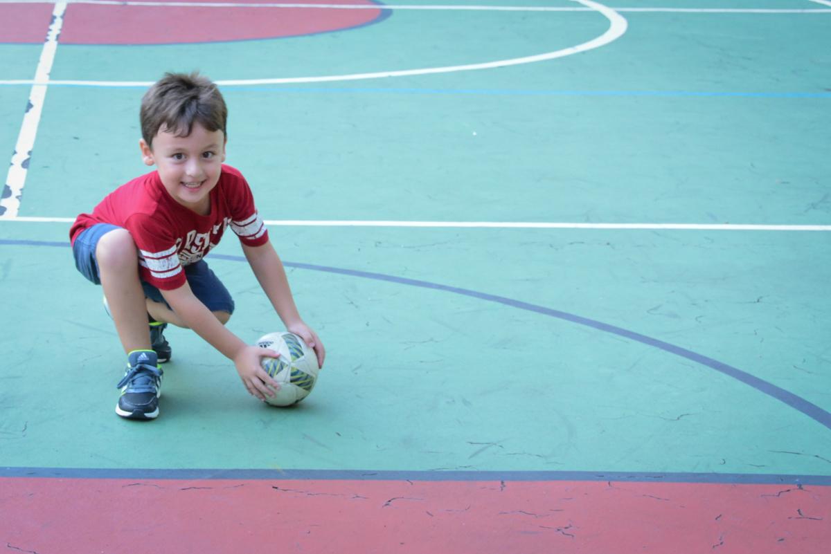 jogo de futebol no Festa infantil,fotografia infantil,aniversário de Matheus 4 anos, tema da festa ninjago, condomínio, Morumbi, SP