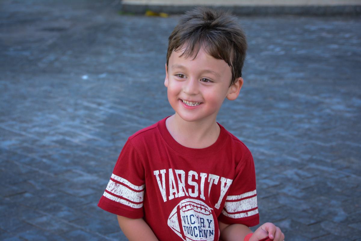 sorriso gostoso na Festa infantil,fotografia infantil,aniversário de Matheus 4 anos, tema da festa ninjago, condomínio, Morumbi, SP