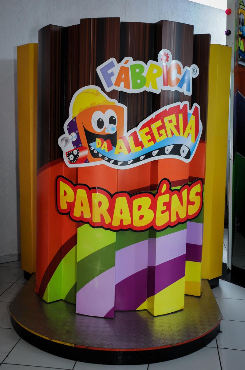 máquina do parabéns no Buffet Fábrica da Alegria,festa infantil, aniversário infantil, fotografia infantil,aniversariante Karina 6 anos tema da festa Pet