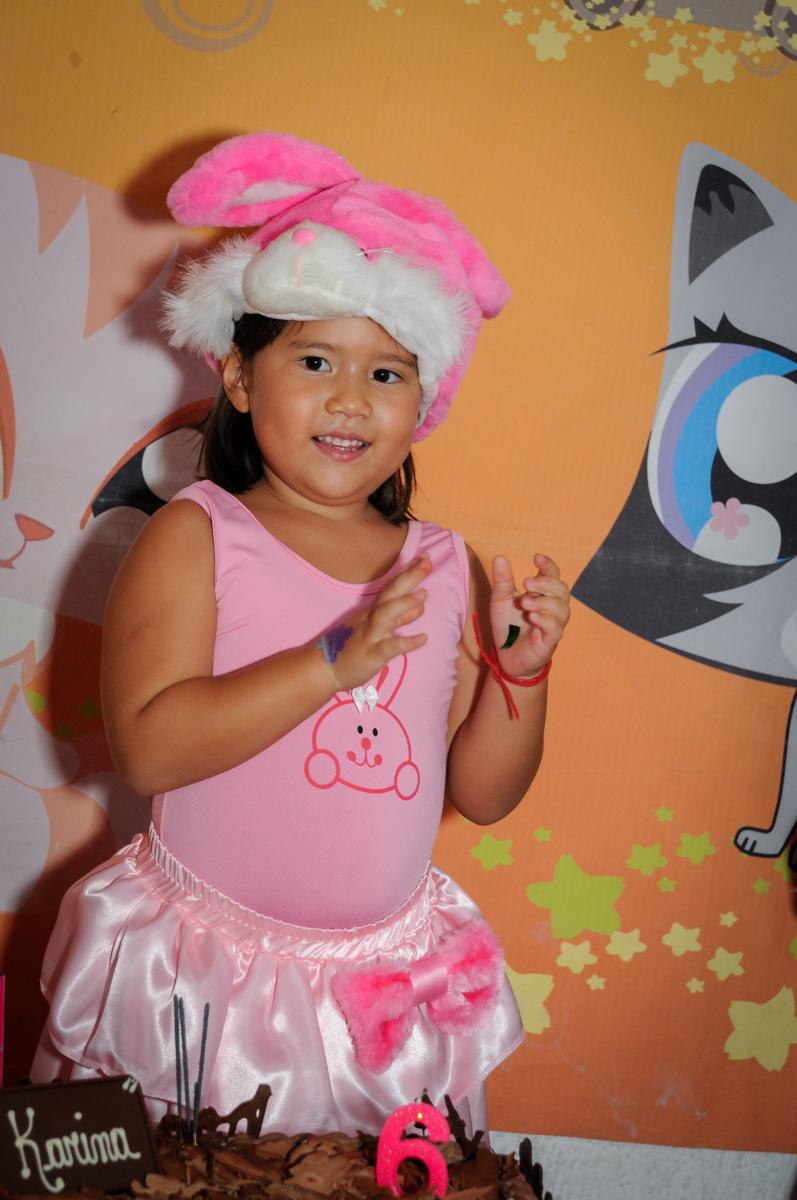cantando parabéns no Buffet Fábrica da Alegria,festa infantil, aniversário infantil, fotografia infantil,aniversariante Karina 6 anos tema da festa Pet