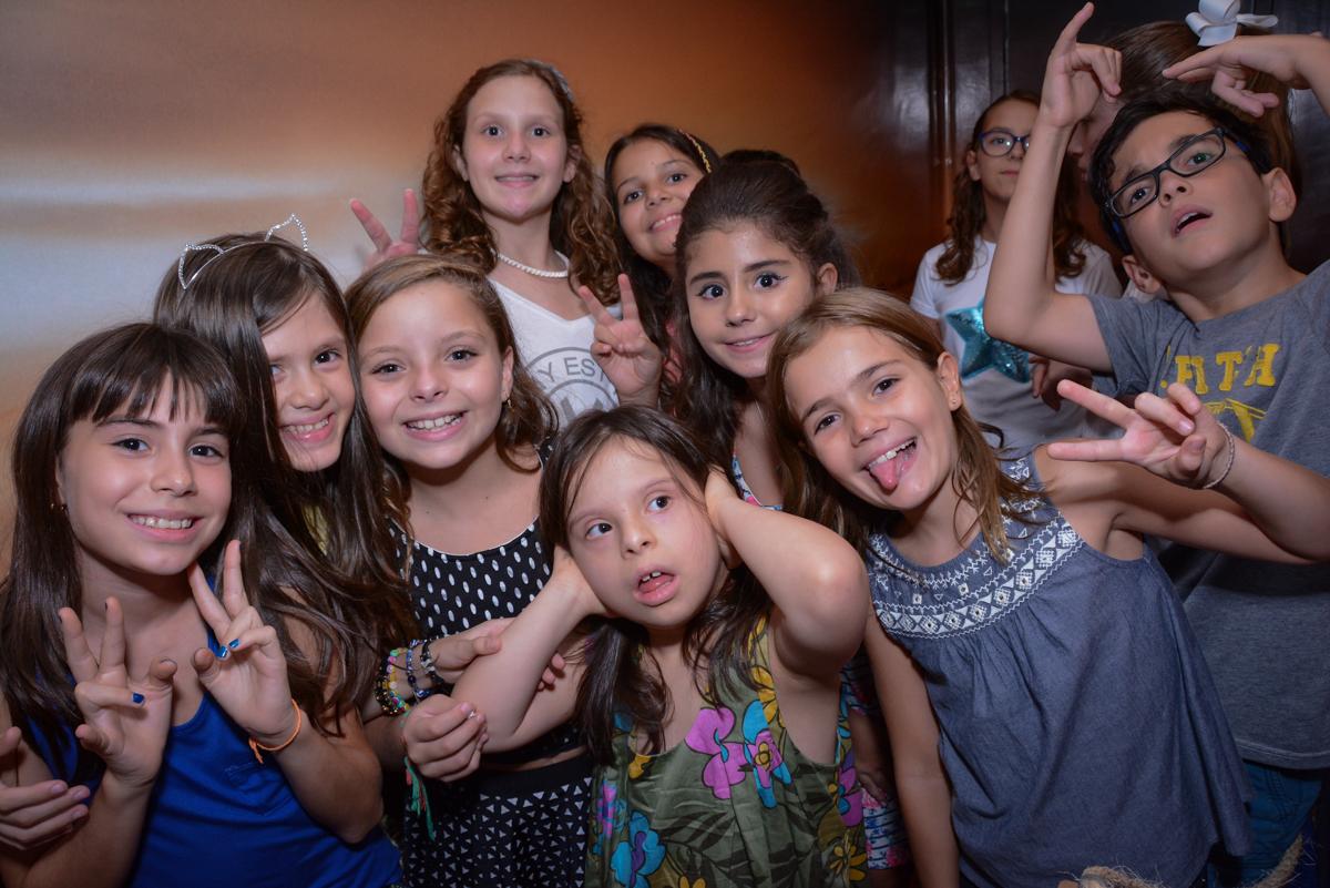 brincadeiras divertidas na festa de aniversário no Escape Home, Alphaville, São Paulo, Luana 10 anos