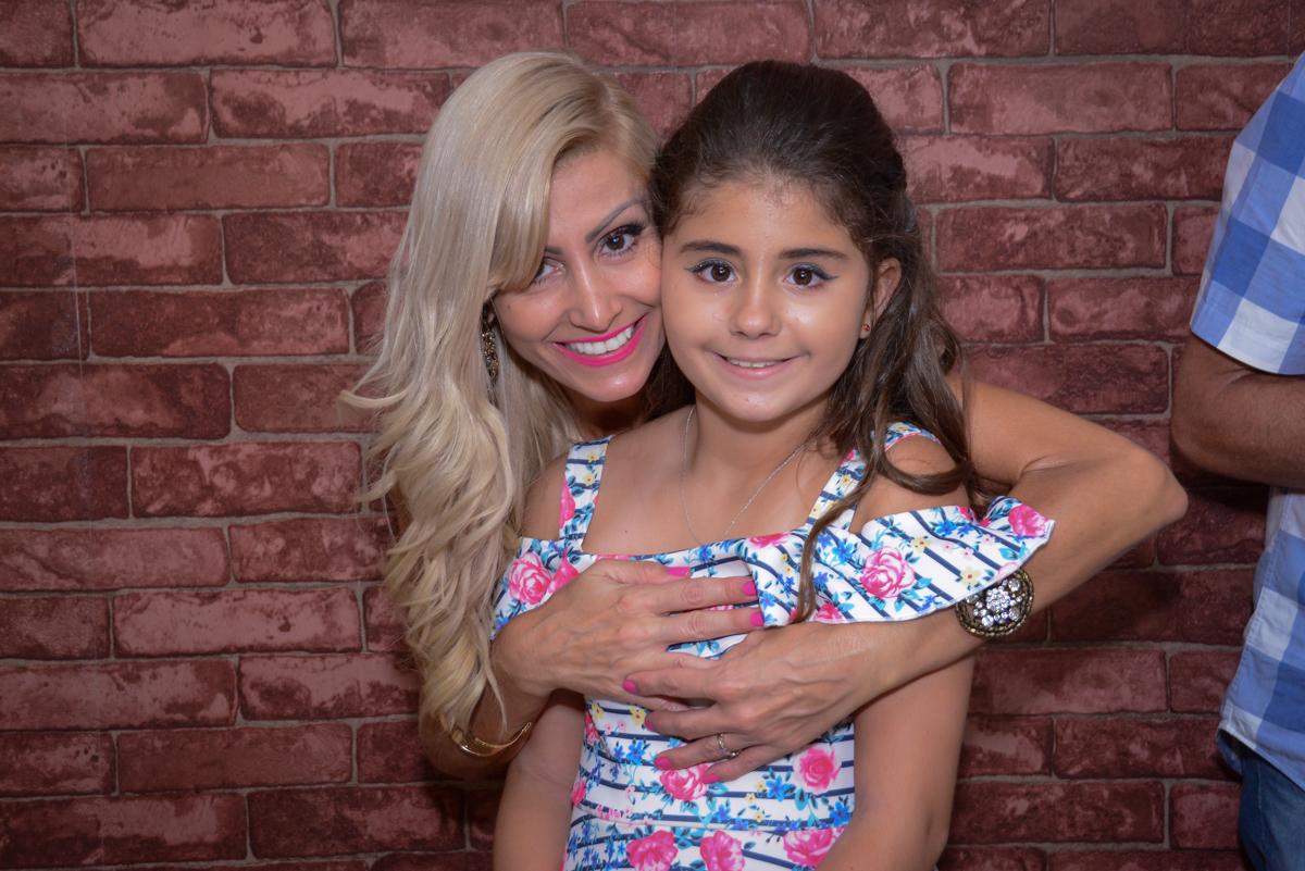 foto mãe e filha no Escape Home, Alphaville, São Paulo, Luana 10 anos