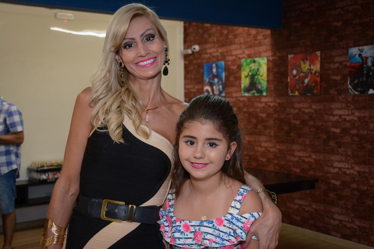 fotografia mãe e filha no Escape Home, Alphaville, São Paulo, Luana 10 anos
