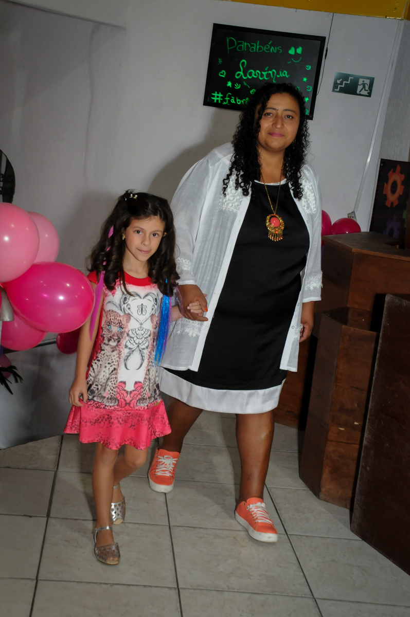 entrando no Festa infantil, Buffet Fábrica da Alegria, aniversário de Laínia 7 anos, tema da festa Monster High