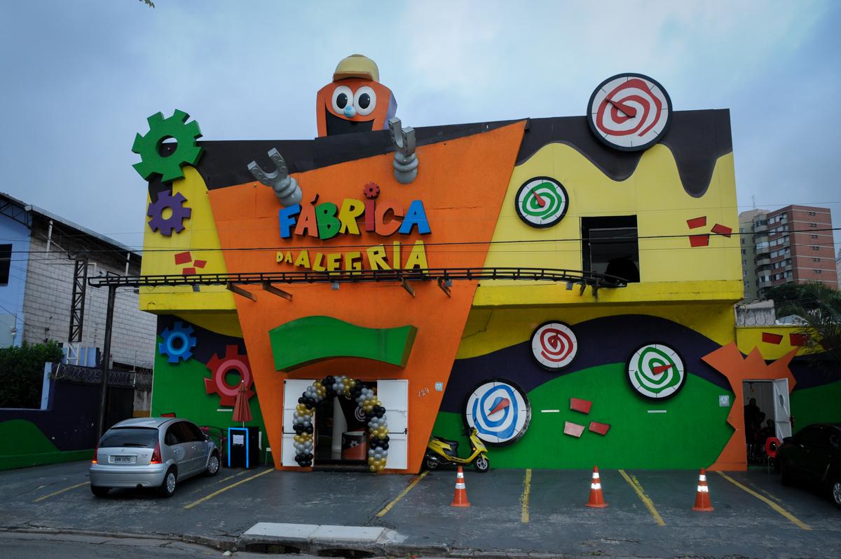 Buffet Fábrica da Alegria, festa Infantil, aniversário de Gregório 5 anos, tema da festa Batman