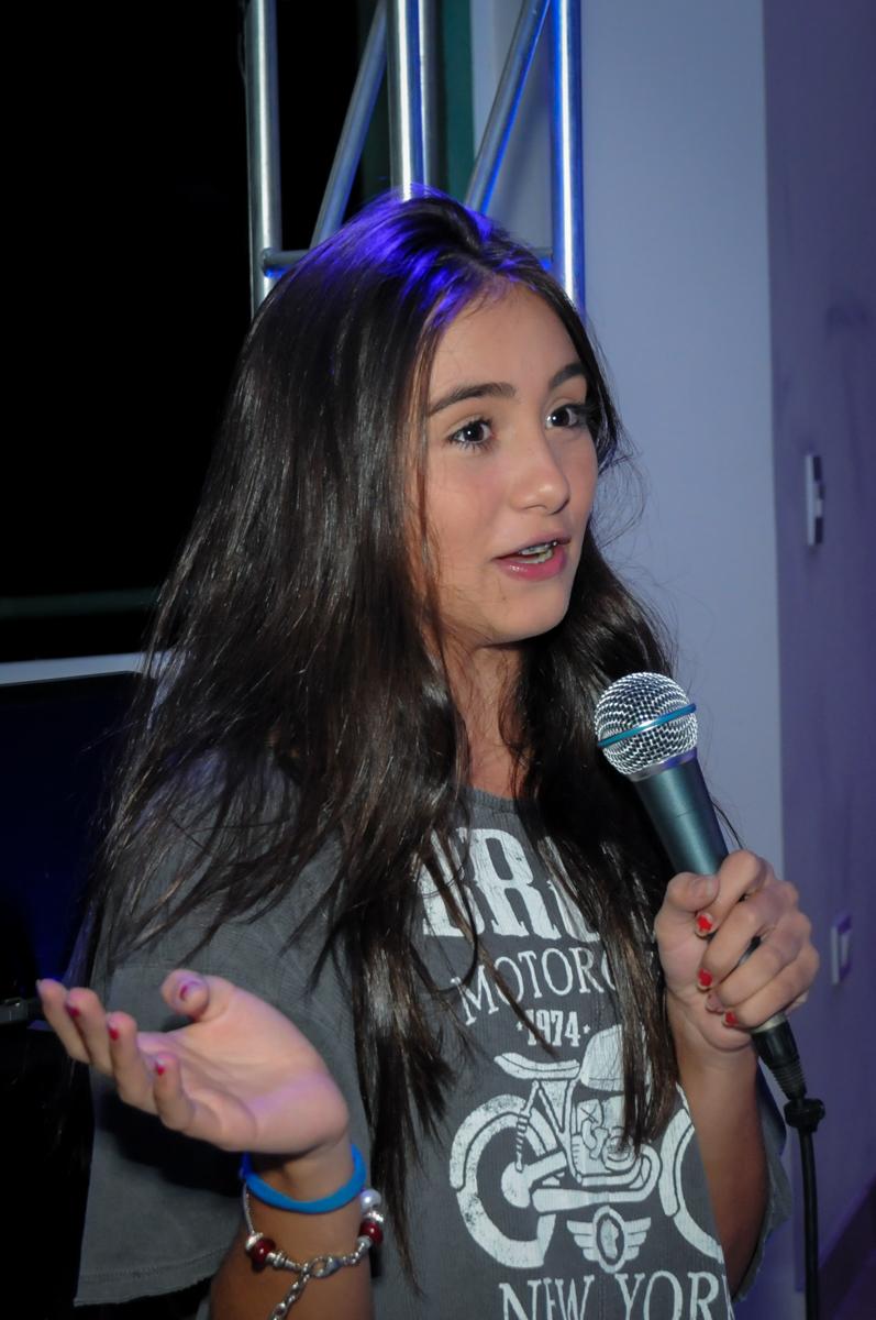 mais homenagem para a aniversariante no Condomínio Alphaville, festa 15 anos Maria Eduard 15 anos