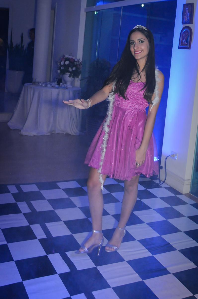 Balada animada no Condomínio Alphaville, festa 15 anos Maria Eduard 15 anos