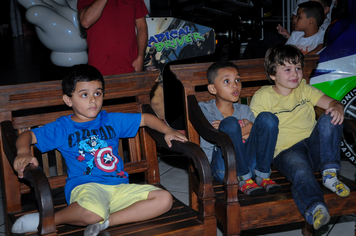 todos gostam da retrospectiva no Buffet Fábrica da Alegria, Osasco,SP, festa infantil, tema os vingadores, Lucas 5 anos