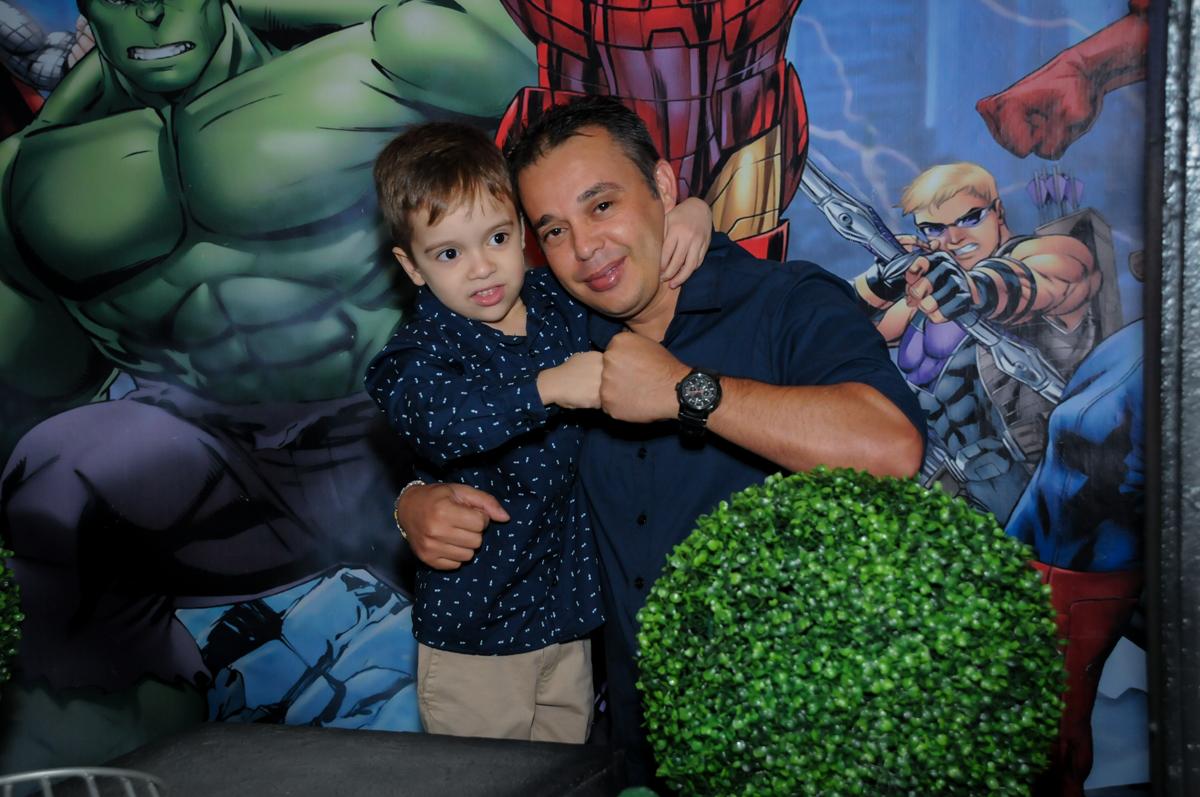 fotografia pai e filho no Buffet Fábrica da Alegria, Osasco,SP, festa infantil, tema os vingadores, Lucas 5 anos