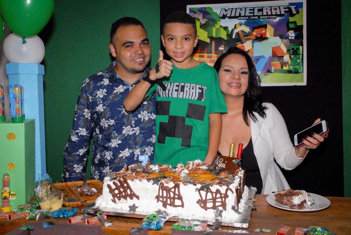 final da festa na Aniversário infantil, festa de Guilherme 7 anos tema da mesa minicraft, no Buffet Fábrica da Alegria, Morumbi,SP