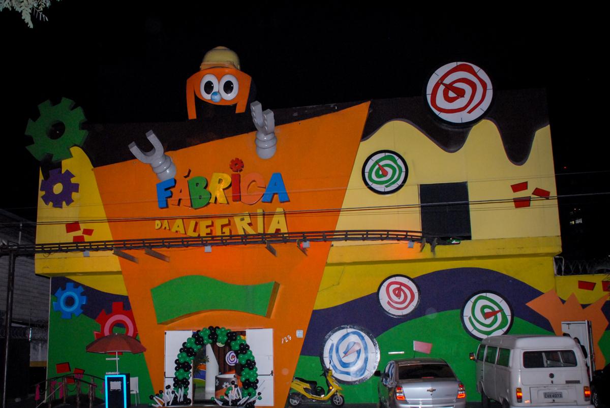 Festa infantil, festa de Vinícius 10 anos tema da mesa minicraft, no Buffet Fábrica da Alegria, Morumbi,SP