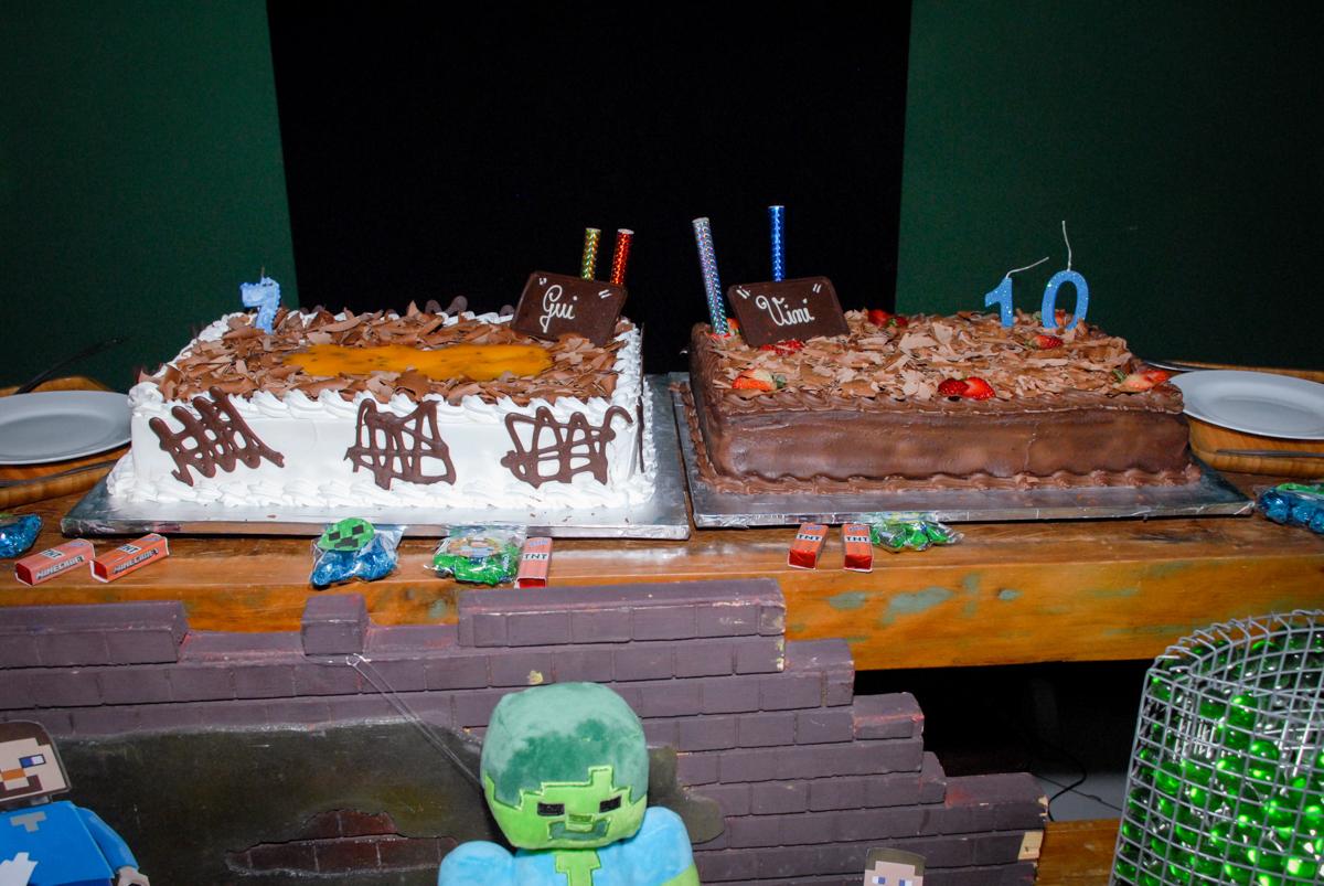 volo decorado na Festa infantil, festa de Vinícius 10 anos tema da mesa minicraft, no Buffet Fábrica da Alegria, Morumbi,SP