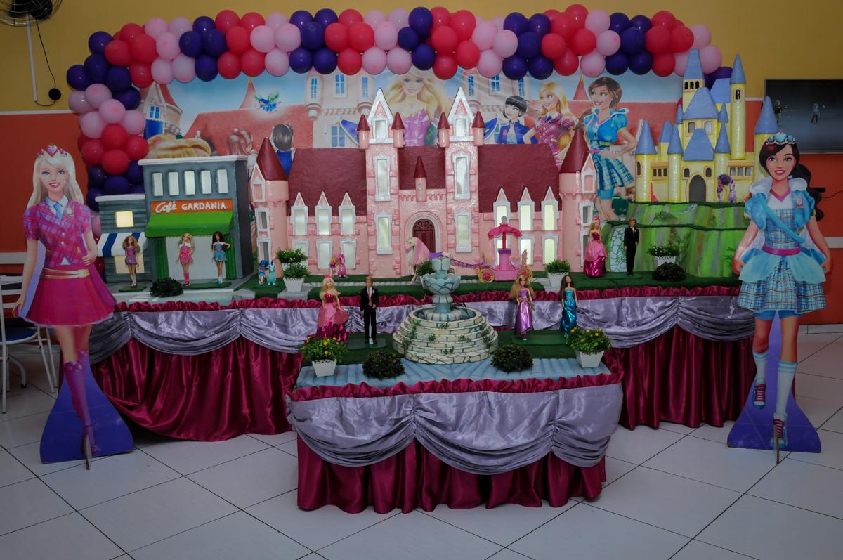 mesa decorada no Buffet Gato Sapeca, Osasco, SP, festa de aniversário, Inês 5 anos, tema da festa princesas.