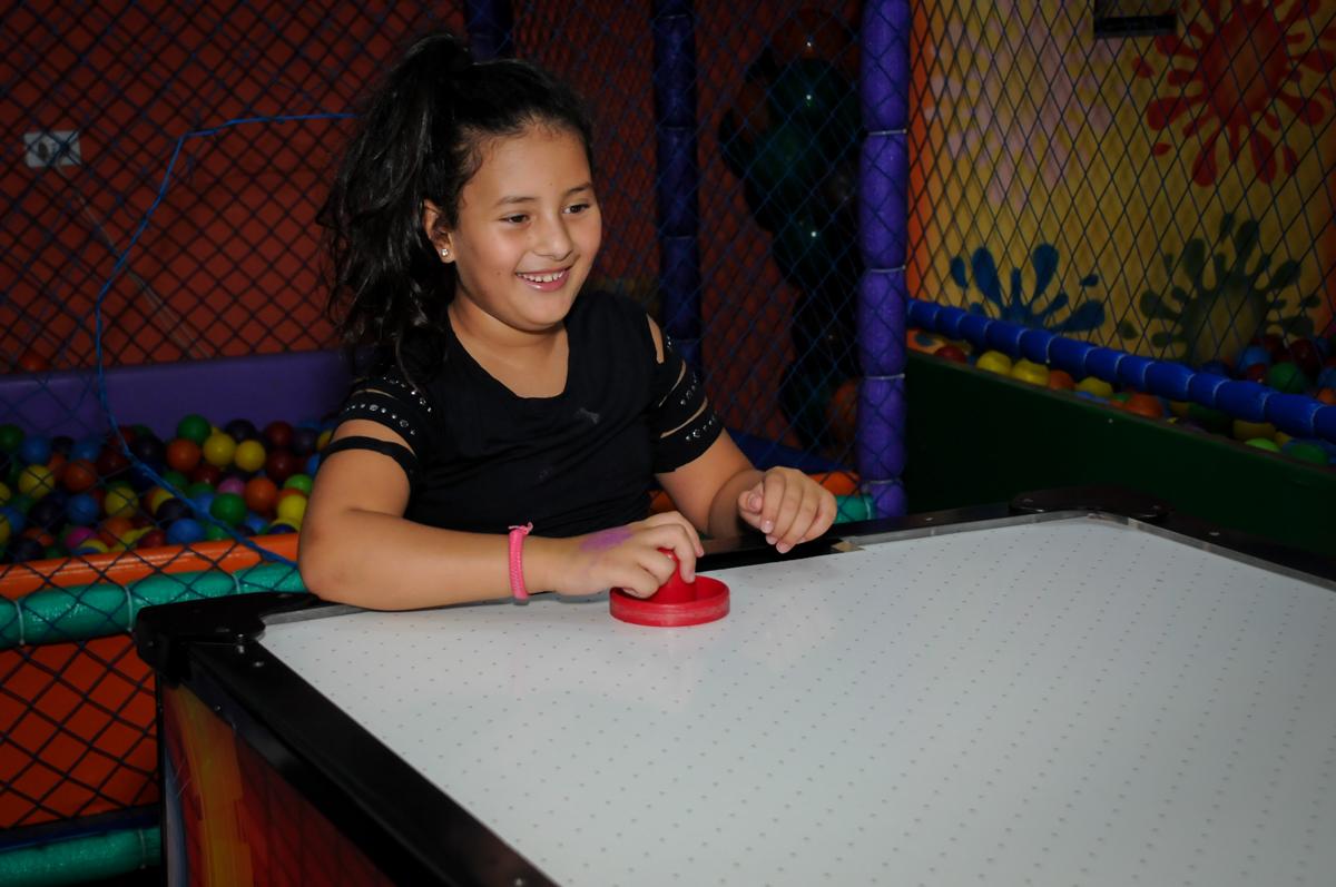 jogo divertido no Buffet Gato Sapeca, Osasco, SP, festa de aniversário, Inês 5 anos, tema da festa princesas.